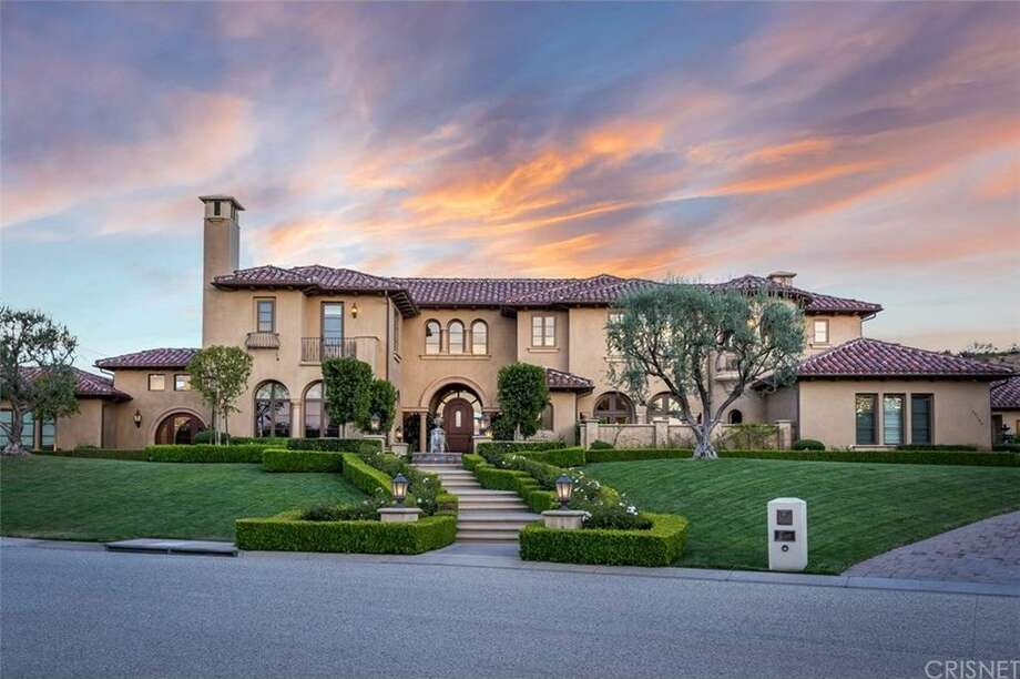 Chris Paul is listing his 1.8 acres home in Calabasas, California for nearly $12 million. Photo: Realtor.com