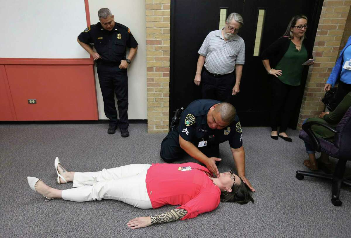In this class, first responders and law enforcement officers in Bexar County learn how to identify people experiencing an opioid overdose and how to reverse it by using naloxone.