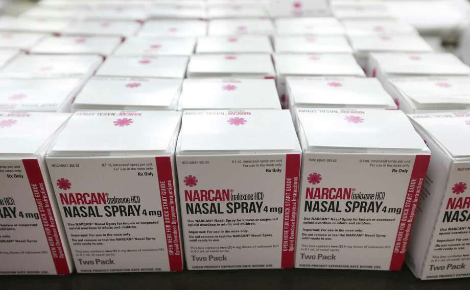 A report makes many recommendations regarding opioid abuse in Texas. Among them: Put naloxone in first-aid kits to treat opioid overdoses. Photo: Kin Man Hui / Staff Photographer / ©2018 San Antonio Express-News