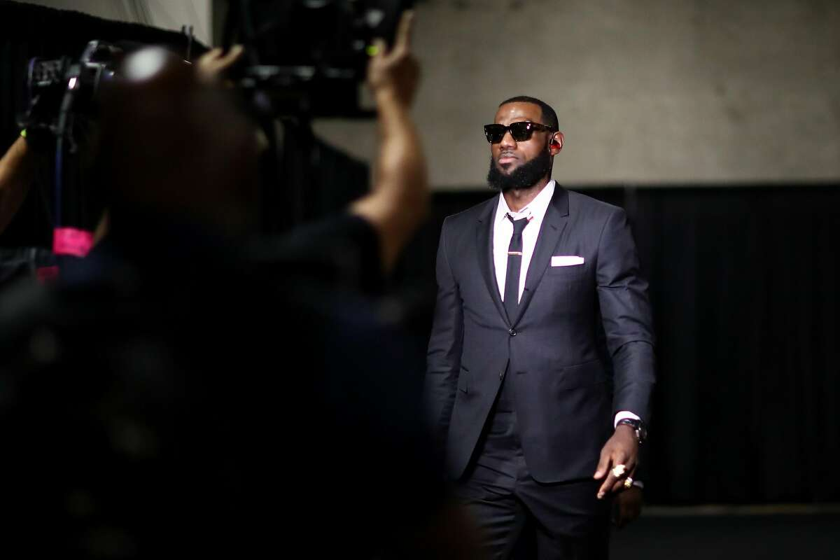OAKLAND, CA - MAY 31: LeBron James #23 of the Cleveland Cavaliers arrives for Game 1 of the 2018 NBA Finals at ORACLE Arena on May 31, 2018 in Oakland, California. NOTE TO USER: User expressly acknowledges and agrees that, by downloading and or using this photograph, User is consenting to the terms and conditions of the Getty Images License Agreement. (Photo by Ezra Shaw/Getty Images)