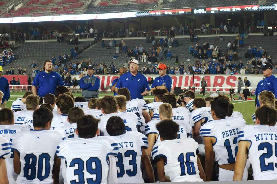 Friendswood football coach Robert Koopmann speaks to his team after the Mustangs's loss to Cy-Fair Friday, Dec. 1. at University of Houston TDECU Stadium. Photo: Kirk Sides / Houston Chronicle / © 2017 Kirk Sides / Houston Chronicle