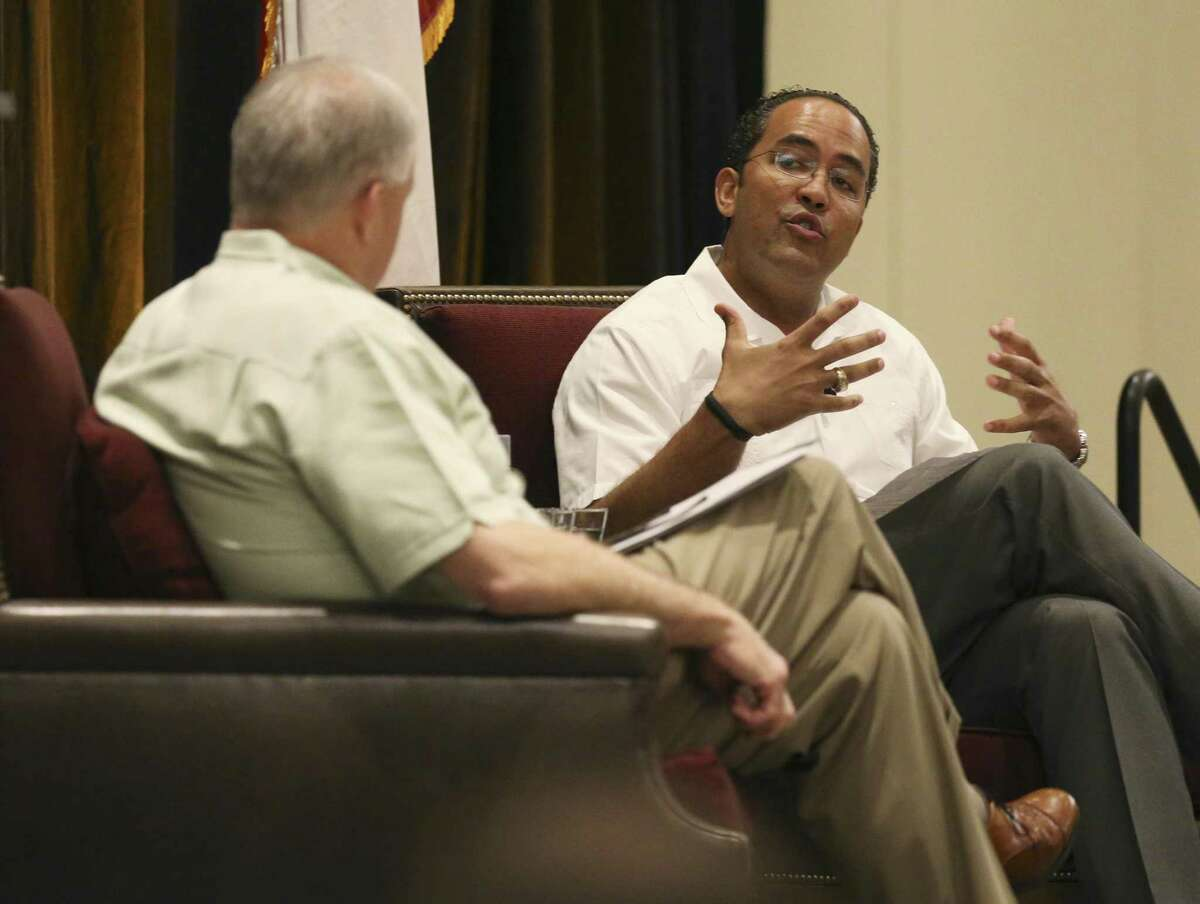 """Republican U.S. Rep. Will Hurd (right) has a conversation with San Antonio Chamber of Commerce chairman Shaun Kennedy (left) on Thursday, Mar. 29, 2018 at La Cantera Resort to address """"his efforts to garner bipartisan support for the most pressing issues facing Congress in 2018."""" Topics include """"a modernized NAFTA, the latest on the emerging tech and cybersecurity sector, and the impacts of the new tax code."""" Hurd is up for re-election in 2018 in the 23rd Congressional District, widely considered the most competitive district in Texas. The event is the kickoff of the San Antonio Chamber of Commerce's """"Congressional Series."""" (Kin Man Hui/San Antonio Express-News)"""
