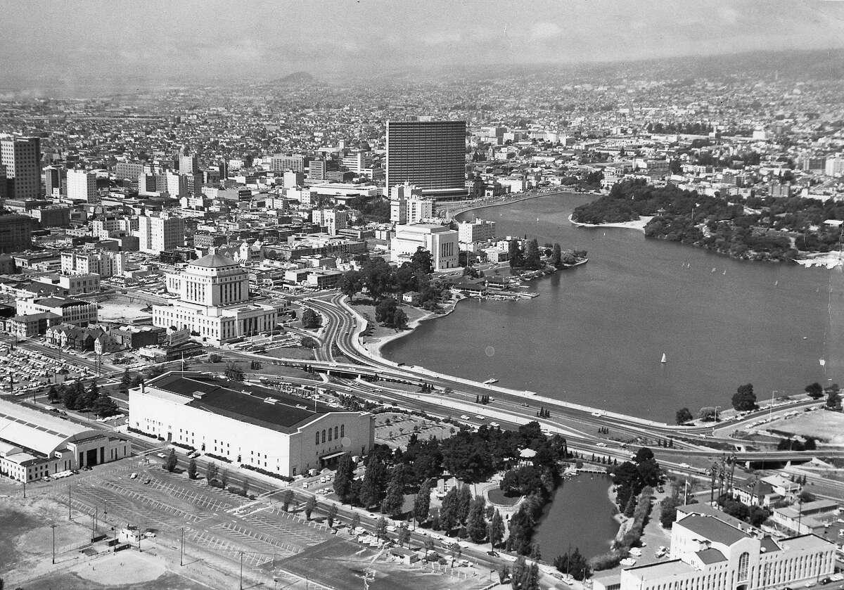 Aerial photo of Lake Merritt in Oakland, August 30 1961