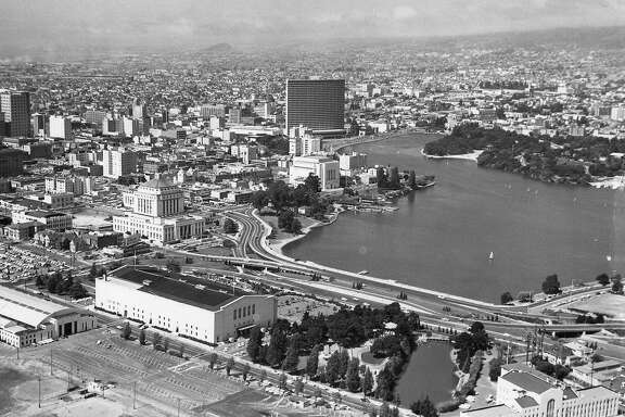 Aerial photo of Lake Merritt in Oakland, August 30 1961