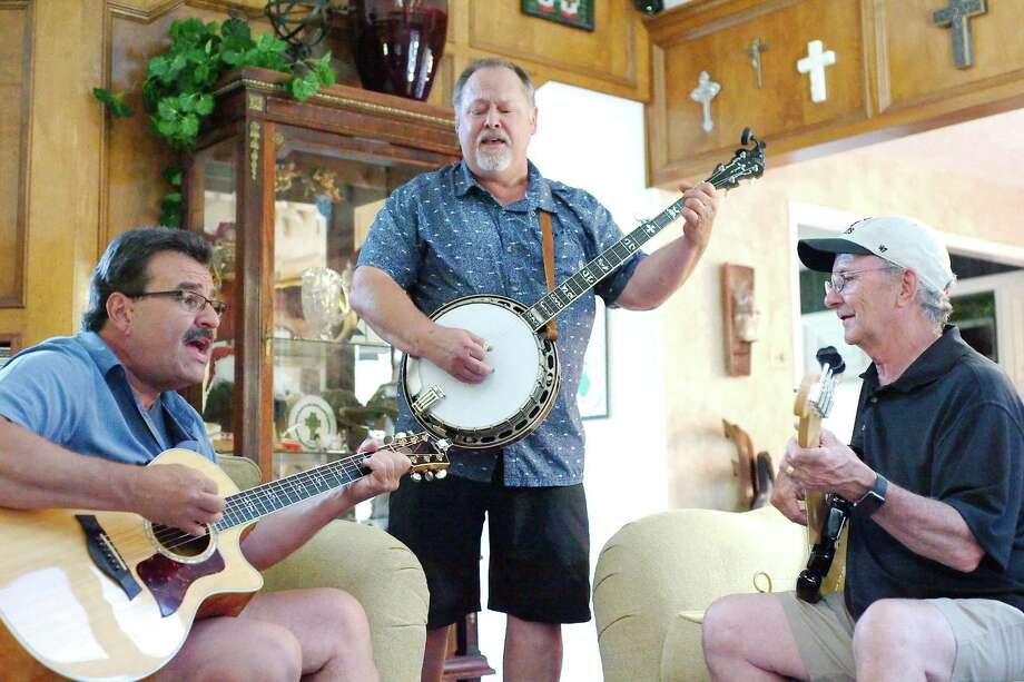 The LC Roots band — Faron Daigle, Preston DeMeritt and Randy Wills — will perform at Alvin Community College. Photo: Kirk Sides / Houston Chronicle / © 2018 Kirk Sides / Houston Chronicle