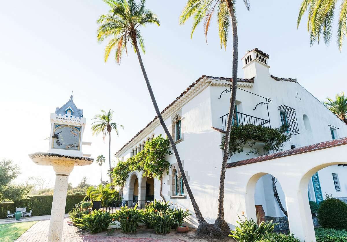 Casa del Herrero is one of the better examples of Spanish Colonial Revival architecture in the country.