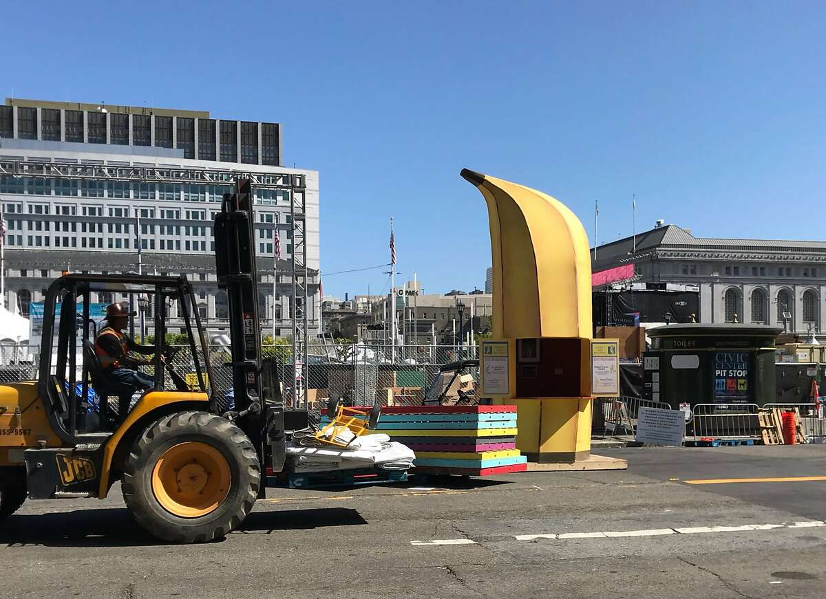 """The """"Arrested Development"""" banana stand is under construction at Clusterfest in San Francisco."""