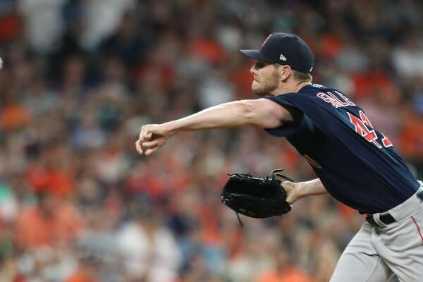 Boston Red Sox starting pitcher Chris Sale (41) pitches during the 1st inning of an MLB baseball game at Minute Maid Park Friday, June 1, 2018, in Houston. ( Steve Gonzales / Houston Chronicle )