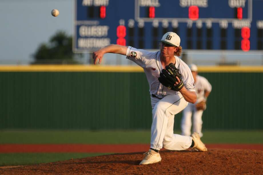 The Woodlands' Will Swope (24) pitches during the baseball game against Round Rock on Friday, June 1, 2018, at Mumford High School. (Michael Minasi / Houston Chronicle) Photo: Michael Minasi/Houston Chronicle