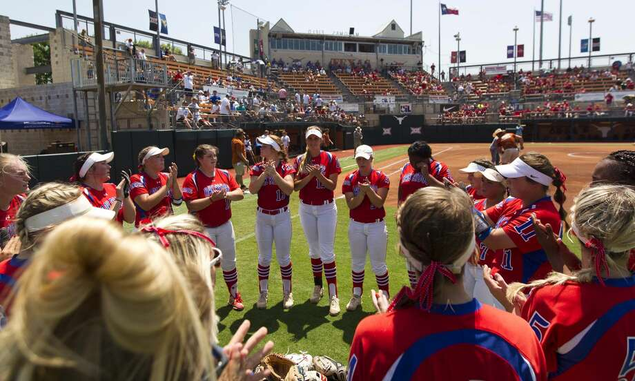 Oak Ridge players are seen before a Class 6A state semifinal game during the UIL State Softball Championships at Red & Charline McCombs Field on Friday, June 1, 2018, in Austin. Photo: Jason Fochtman/Houston Chronicle