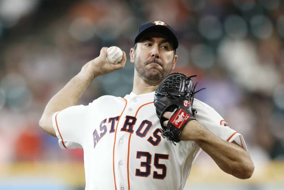 Houston Astros starting pitcher Justin Verlander (35) pitches during the first inning of an MLB game at Minute Maid Park, Wednesday, May 23, 2018, in Houston.  ( Karen Warren  / Houston Chronicle ) Photo: Karen Warren/Houston Chronicle