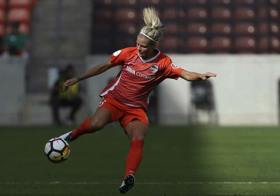 Defender Rachel Daly and the Dash will have their hands full in Sunday's matchup against first-place North Carolina, especially after losing Kristie Mewis for the season to a knee injury. Photo: Yi-Chin Lee / Houston Chronicle / © 2018 Houston Chronicle