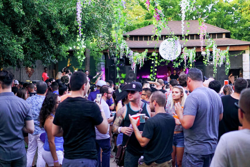 Praia Urbana, the longest-running and largest outdoor house and techno festival in Texas, hosted their popular dance party at Last Concert Cafe on June 2nd, 2018. (Photo by Marco Torres/Freelance)