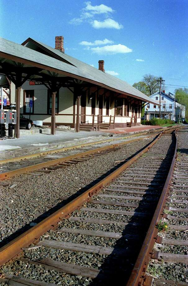 The railroad station in New Milford, circa 2002 Photo: Norm Cummings / Norm Cummings/Spectrum / The News-Times