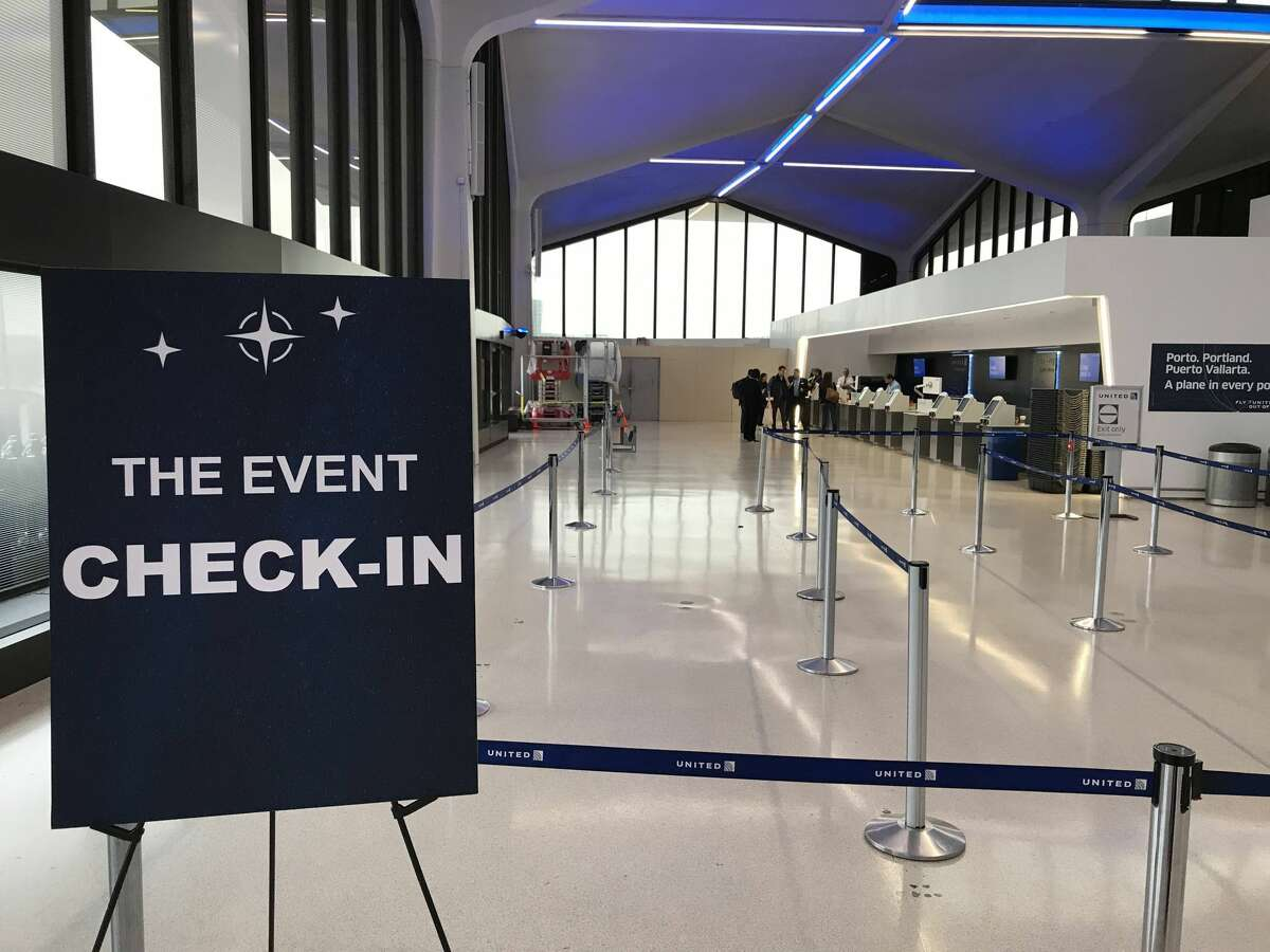 Check in for media event at United Polaris business class lounge at Newark International Airport, Terminal C
