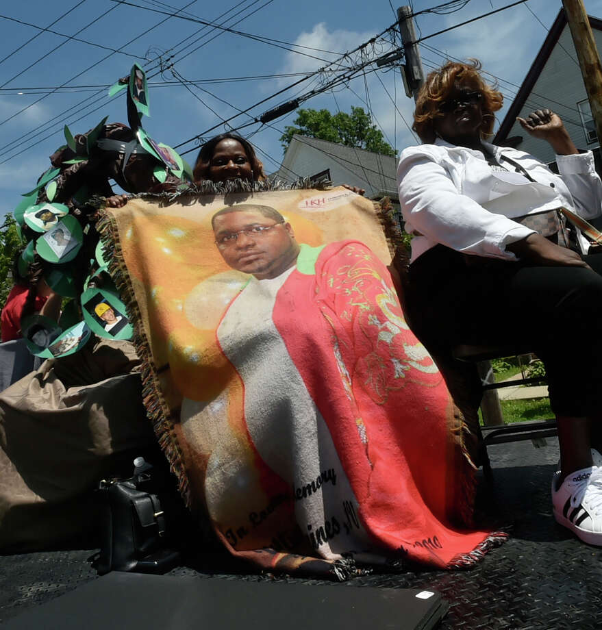 New Haven, Connecticut - June 3, 2018: The Freddie Fixer parade Sunday afternoon from Bassett Street and Dixwell Ave. in New Haven. Photo: Peter Hvizdak, Hearst Connecticut Media / New Haven Register