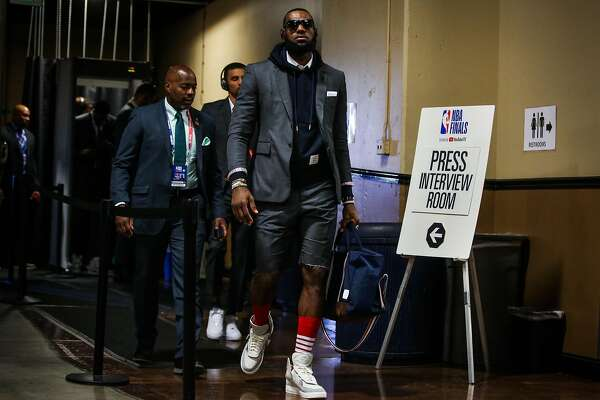 dc6160fbead 1of2LeBron James (23) walks into Oracle Arena ahead of Game 2 of The NBA  Finals between the Golden State Warriors and the Cleveland Cavaliers in  Oakland