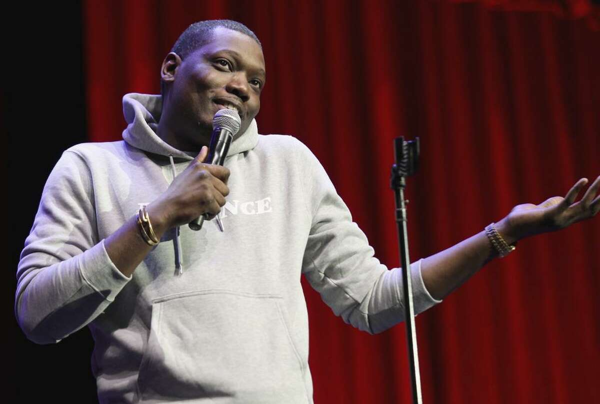 """Michael Che goes """"off the rails"""" in a freewheeling set during Clusterfest."""