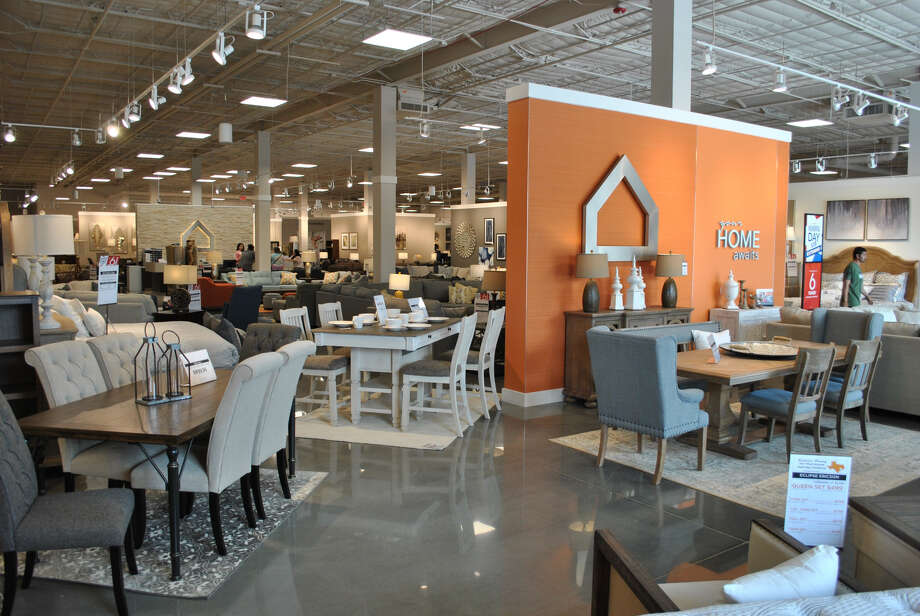 Ashley Homestore Opens Permanent Location In Lake Jackson San