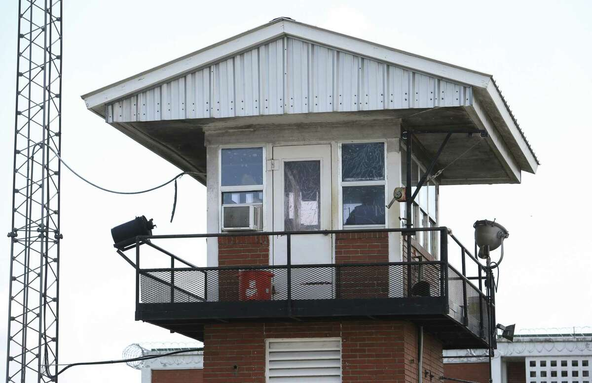 The guard tower of the Ellis Unit of Texas Department of Criminal Justice is photographed on Tuesday, May 29, 2018, in Huntsville. ( Yi-Chin Lee / Houston Chronicle )