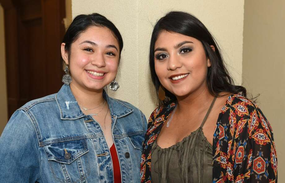 Country fans head out to see Randy Rogers Band perform at the Casablanca Ballroom on Friday, June 1, 2018. Photo: Danny Zaragoza/Laredo Morning Times