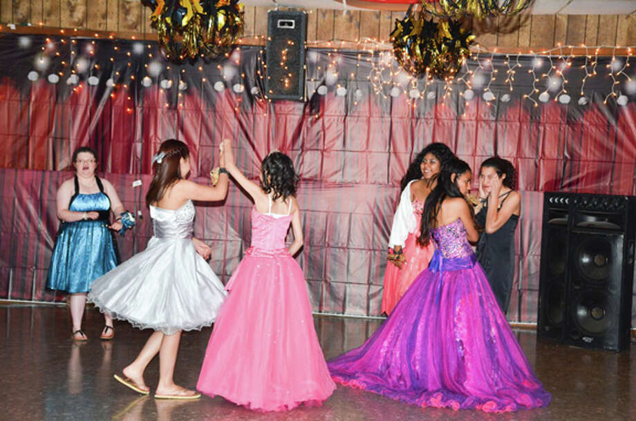 Members of the Plainview High and Junior High Stars were VIP guests at the 5th Annual Special Needs Prom, hosted by Plainview Elks Lodge #1175 on May 12. Photo: Courtesy Photo