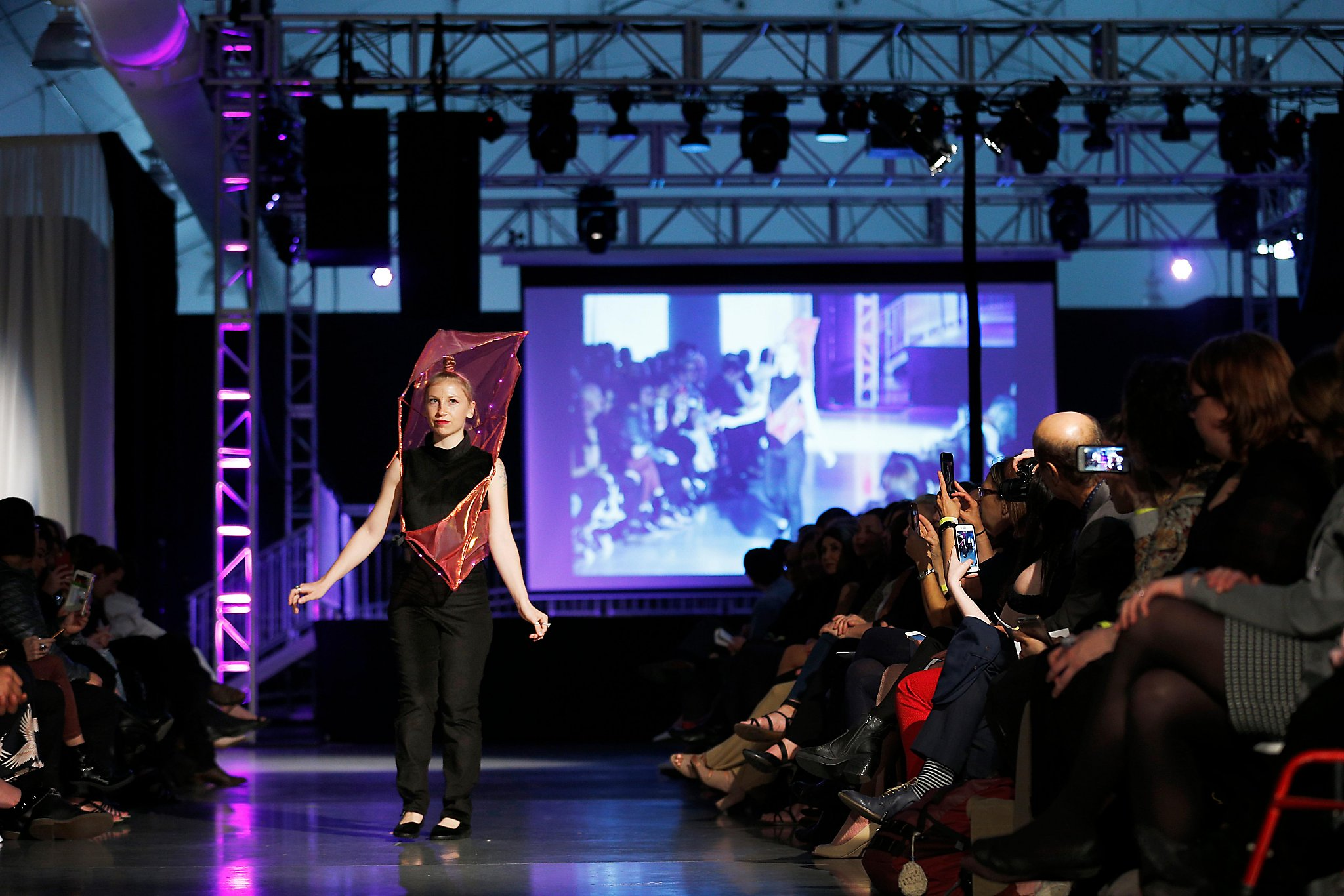 Real World Issues Show Up On Sf S Student Fashion Show Runways