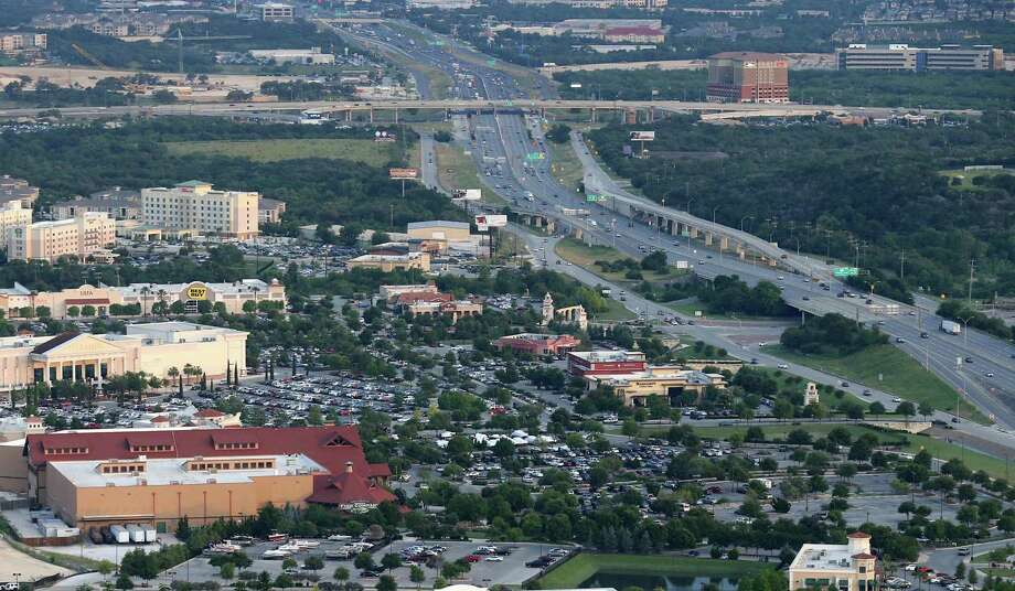 Aerial view of The Rim area in 2016. A city of San Antonio climate action plan doesn't take into full account how much the city's growth strategies has affected the environment — and left it one of the most economically segregated cities in the country. Photo: Edward A. Ornelas /San Antonio Express-News / © 2016 San Antonio Express-News