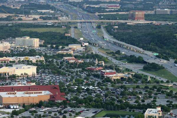 8e434b90f 1of2Aerial view of The Rim area in 2016. A city of San Antonio climate  action plan doesn't take into full account how much the city's growth  strategies has ...
