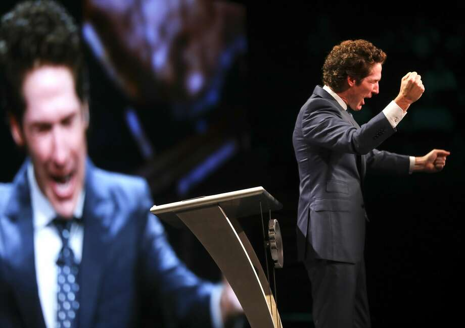 "PHOTOS: Social media reacts to city honoring Joel Osteen's church for its Harvey recovery efforts  Minister Joel Osteen holds ""A Night of Hope"" event last year in Los Angeles. >>>See social media's reaction to news that the city was honoring Osteen's efforts  Photo: Elizabeth Conley/Houston Chronicle"