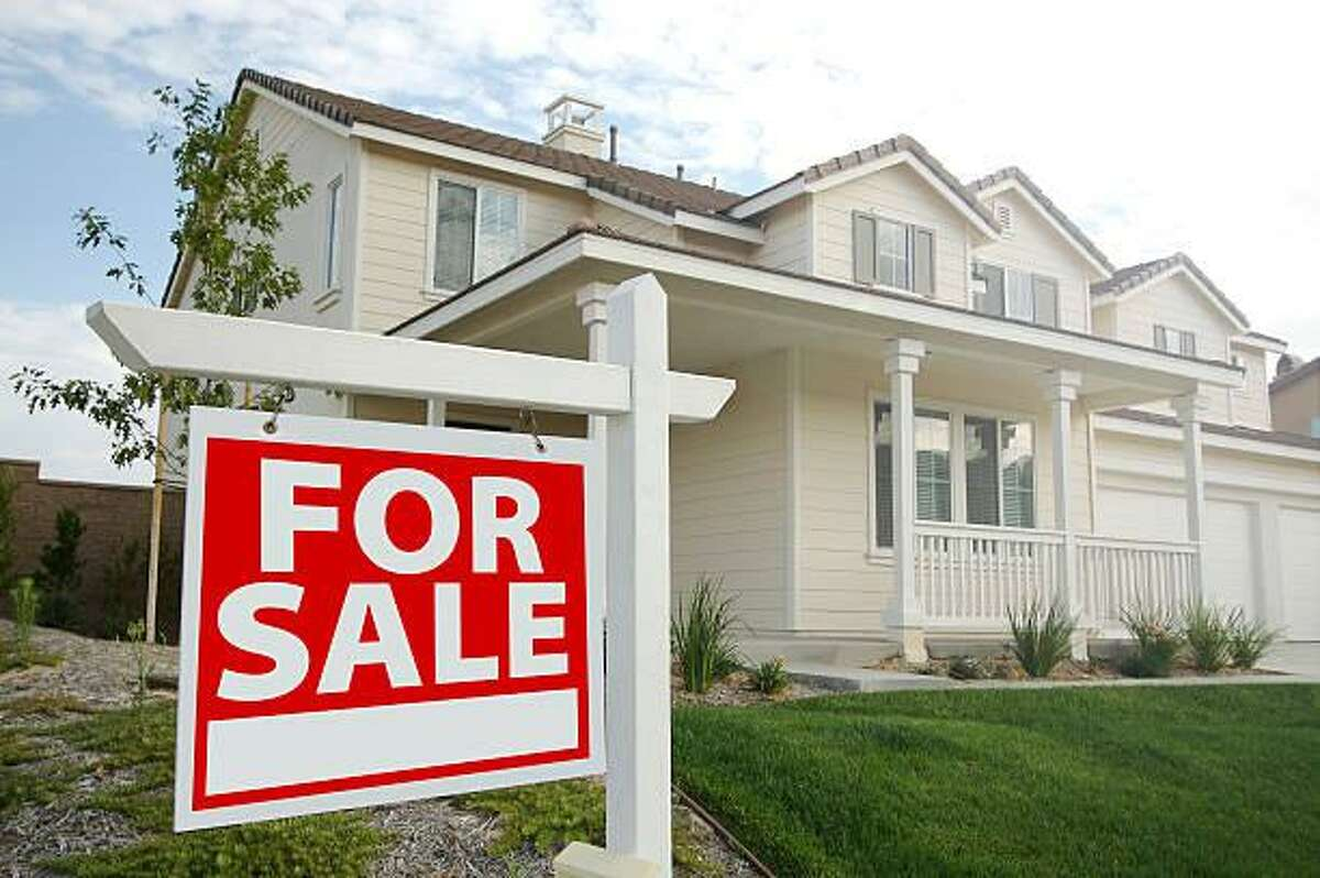 A six-month trial banning real estate signs in front of houses for sale will begin July 1 and conclude Jan. 1, 2019.