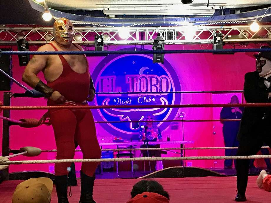 """Wrestling for Charity"" at El Toro nightclub. Photo: Beth Spotswood"