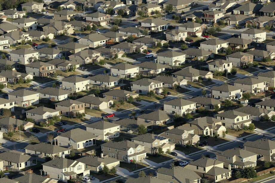 A view of the Riata subdivision in the Schertz, Texas, Thursday, Feb. 18, 2016. Photo: JERRY LARA, Staff / San Antonio Express-News / © 2016 San Antonio Express-News