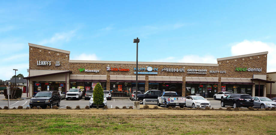 Quattro Venture has purchased a portfolio of retail properties including River Gate Center, 1135 Crabb River Road, Richmond. Edge Capital Markets represented the sellers. Photo: Edge Capital Markets
