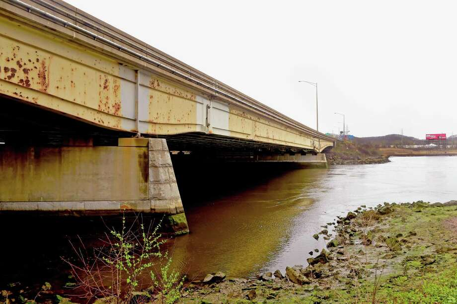 The temporary closure to hunting encompasses the Quinnipiac River from the southernmost tip of Granis Island, at the mouth of Hemingway Creek, across the river to Lombard Street, north to the Interstate 91 bridge, by North Frotn Street and Middletown Avenue. Photo: Peter Hvizdak / ©2017 Peter Hvizdak / ©2017 Peter Hvizdak