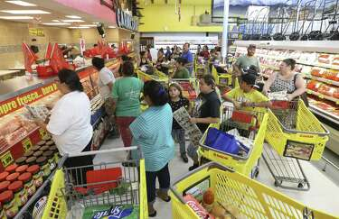 El Rancho opens first Houston supermarket to big crowds