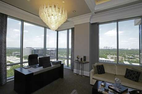 A view of office area in the Presidential Suite at the Post Oak Hotel. Photo: Melissa Phillip, Staff / Houston Chronicle / © 2018 Houston Chronicle