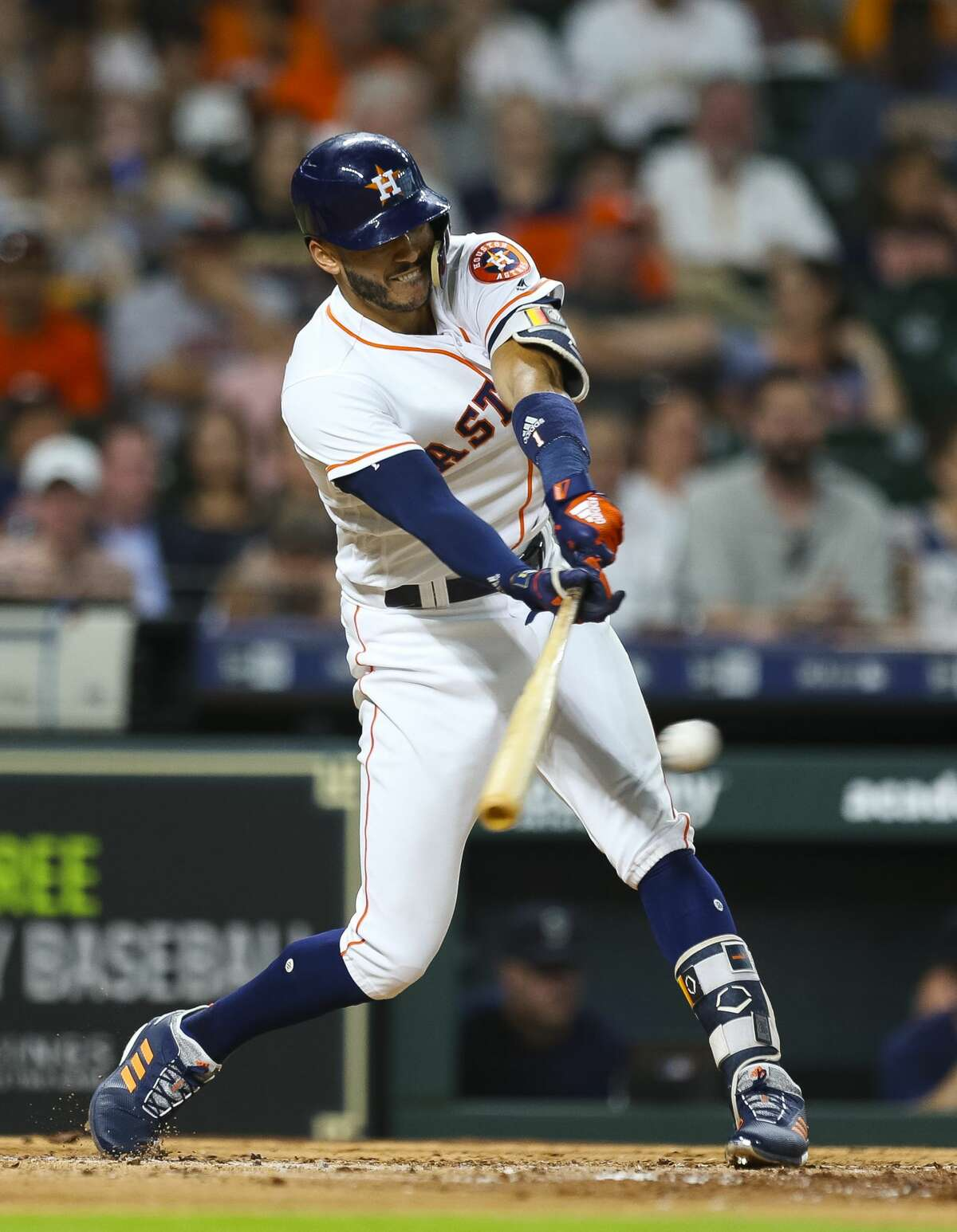 Houston Astros shortstop Carlos Correa (1) hits during the third inning of an MLB game at Minute Maid Park, Wednesday, June 6, 2018, in Houston. ( Mark Mulligan / Houston Chronicle )