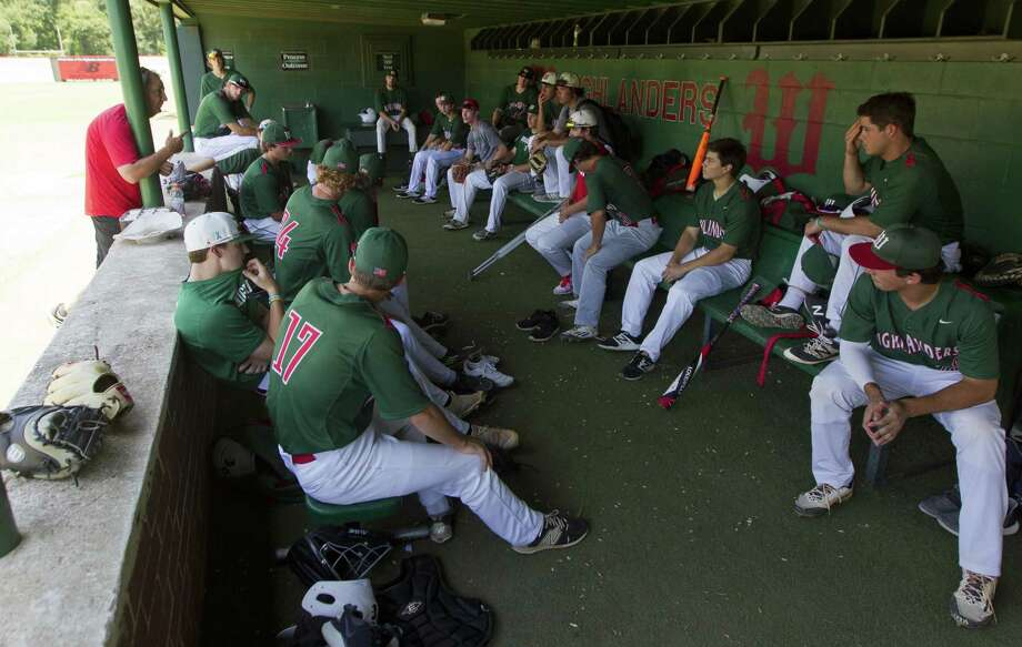 The Woodlands head coach Ron Eastman talks to the team before baseball practice on Tuesday, June 5, 2018, in The Woodlands. Photo: Jason Fochtman, Staff Photographer / Houston Chronicle / © 2018 Houston Chronicle