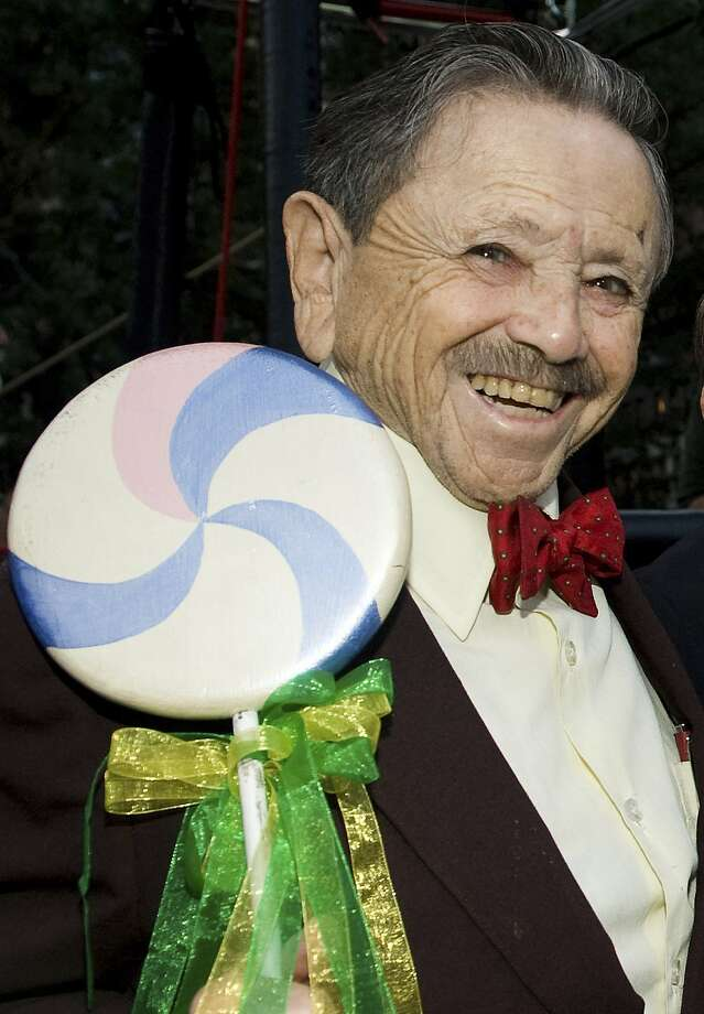 Jerry Maren Who Sang And Danced As Munchkin Leader Of Ozs Lollipop