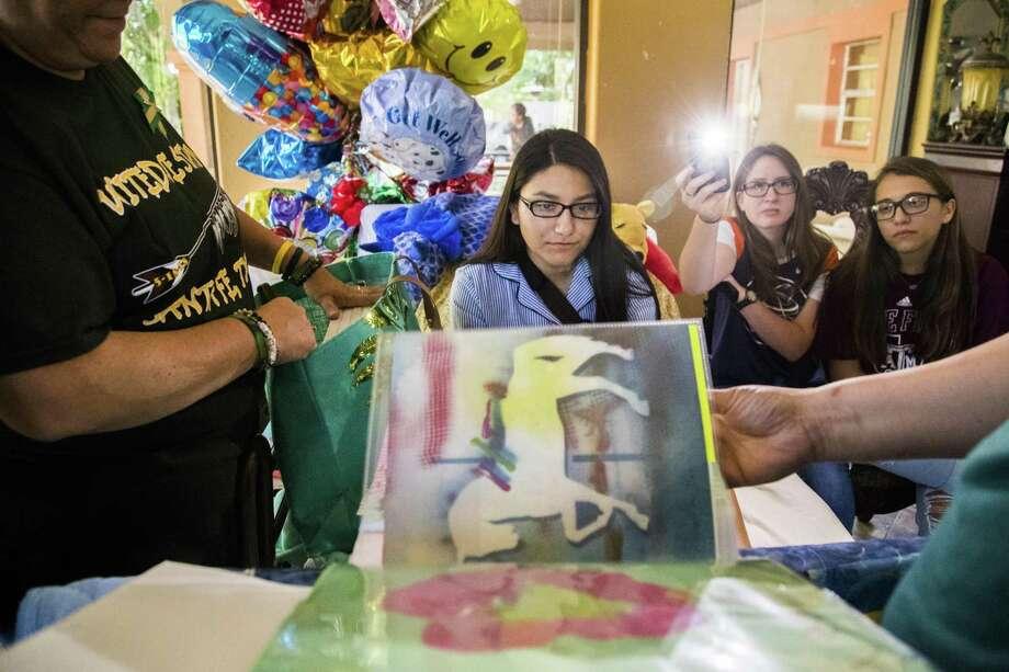 Texas School District Where 10 Fatally Shot Adds Police San Antonio Express News