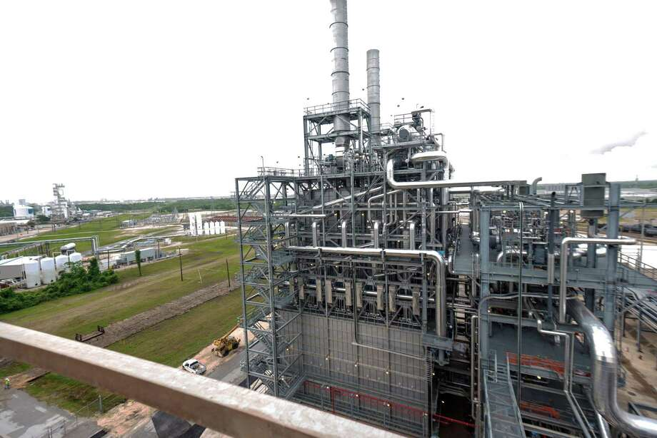 LyondellBasell is constructing a new $700 million plastics plant at its petrochemical hub in La Porte. Photo: LyondellBasell / Scott McCombs
