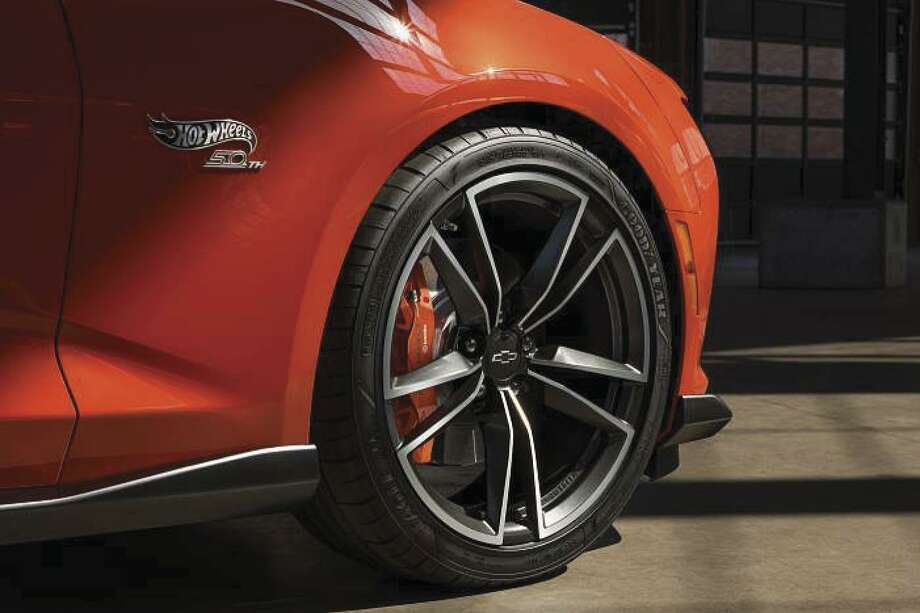 The special edition's forged 20-inch alloy wheels were designed to evoke the wheels on Mattel's classic Hot Wheels cars from 1968. Chevrolet's SS commemorative Hot Wheels Camaros get Goodyear Eagle run-flat summer tires.