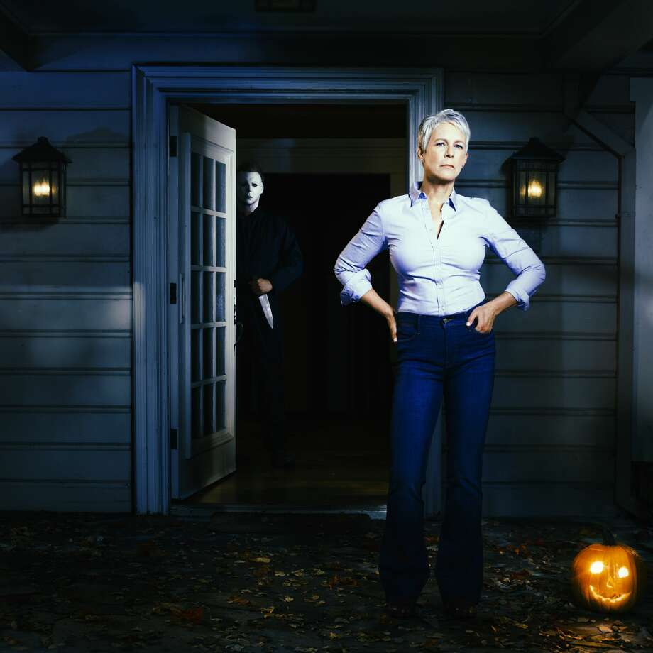 halloween' trailer shows jamie lee curtis means business - midland