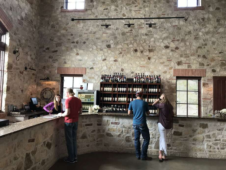 The tasting room at Duchman Family Winery in Driftwood Photo: Emily Spicer / San Antonio Express-News