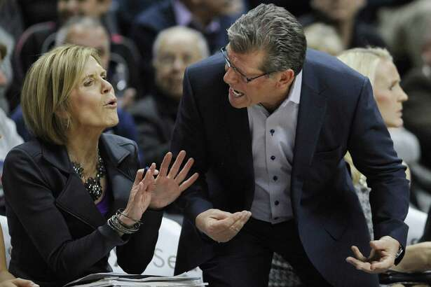 UConn assistant coach Chris Dailey, left, will be inducted into the Women's Basketball Hall of Fame on Saturday.