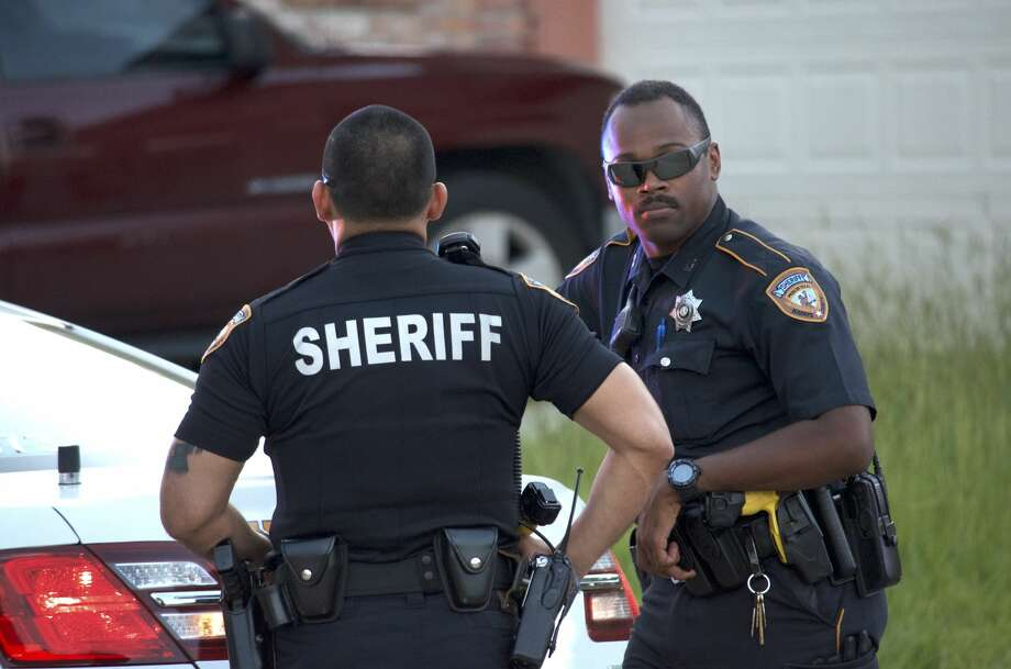 Harris County SWAT trying to talk Katy man out of house ...