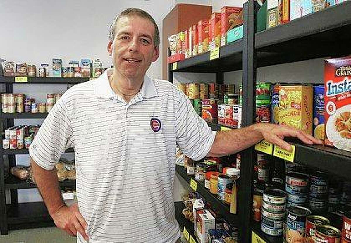 Kevin Barnes discusses his work at the Wauconda-Island Lake Food Pantry. Barnes was an active member of Life Bridge Community Church and worked with the Love Inc. charity that helps people with jobs, housing and spiritual needs. Then he got esophageal cancer and everything changed. That's why the husband and father of two now is taking classes to become a biblical counselor and also makes time to volunteer with his newest charity: Cancer Fighters.
