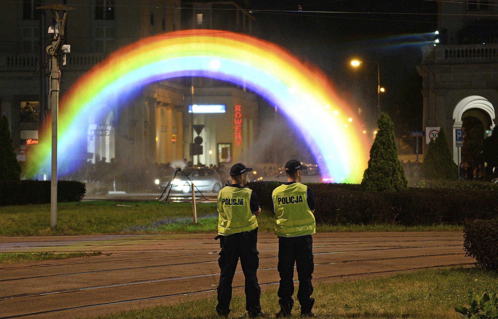 Artist who created rainbow flag, gay pride symbol, dies