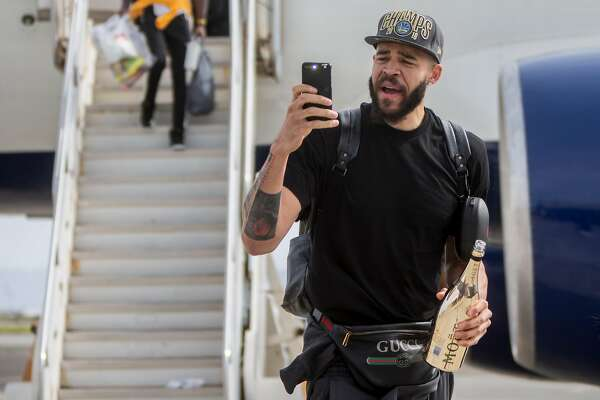 2b7f18e50c86 3of22The Golden State Warriors  JaVale McGee arrives with his team from  Cleveland